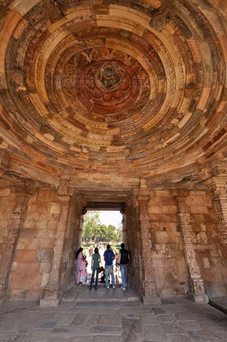 Monuments- Qutab Minar, New Delhi, India. - Interior of a dome in the arcades close to the big minaret, Qutab Minar Complex, New Delhi, India. by Anil
