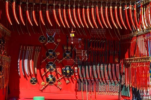 DSC_0063-1 Pushkar, Rajasthan, India- January 16, 2018: A shop of traditional Rajasthani swords at Sadar Bazaar, Pushkar, Rajasthan, India.