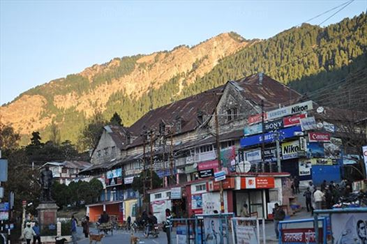 Travel- Nainital (Uttarakhand) - Nainital, Uttarakhand, India- November 11, 2015: Main market and Statue of Pt. Govind Ballalbh Pant, at Riksha Stand, Mallital, Nainital, Uttarakhand, India.