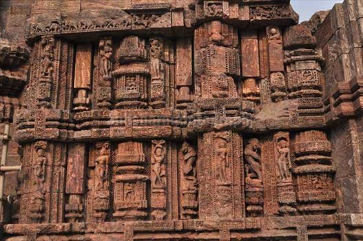 Richly carved sculptures of dancers at ancient Konark Sun Temple near Bhubaneswar, Orissa (India)