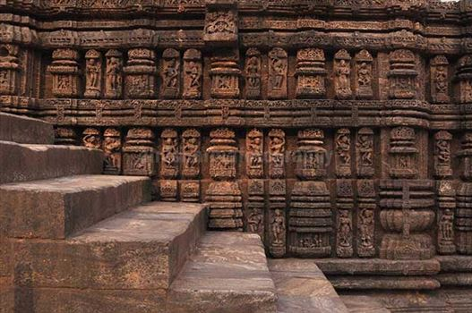 Richly carved sculptures of dancers and musicians, at Konark Sun Temple also known as Black Pagoda, at Bhubaneswar, Orissa, (India)