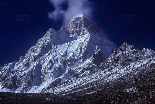 Mountains- Shivling Peak (India) - Shivling Peak at Tapovan in Western Himalayas, Uttarakhand, India.