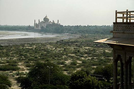 Monuments- Taj Mahal, Agra (India) - Taj Mahal's view from Agra Fort.