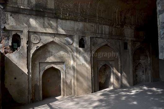 Monuments: Agrasen ki Baoli or Stepwell at New Delhi - Inside the mosque, there are three mehrabs (niche) - the one in the middle was used by imam to lead the prayers.